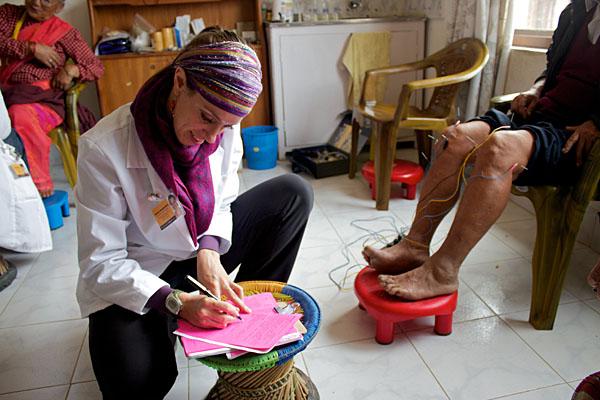 Felicity Woebkenberg | Volunteer Acupuncturist Nepal