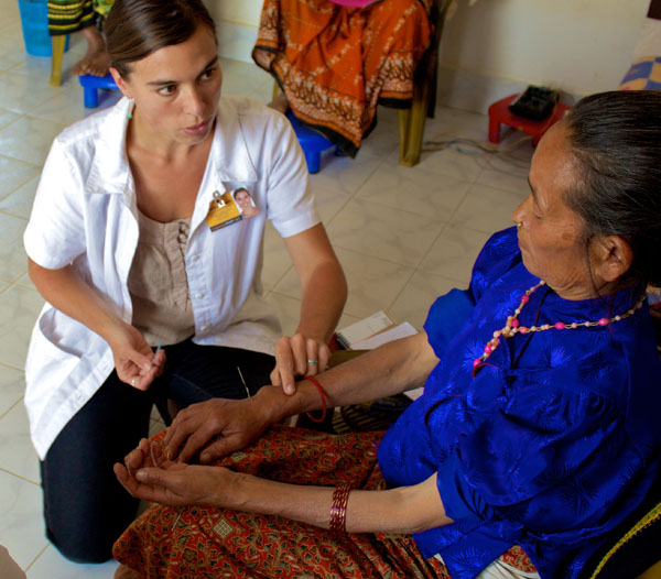 Danielle Lombardi | Acupuncture Volunteer Nepal